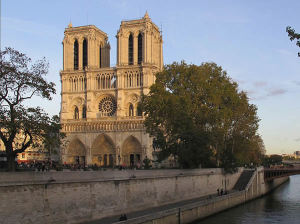 Notre Dame de Paris, Paris, France. Author Gilbert Bochenek. Licensed under the Creative Commons Attribution-Share Alike