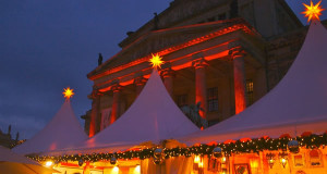 Christmas market in Berlin, Germany. Author Ethan Lindsey. Licensed under the Creative Commons Attribution