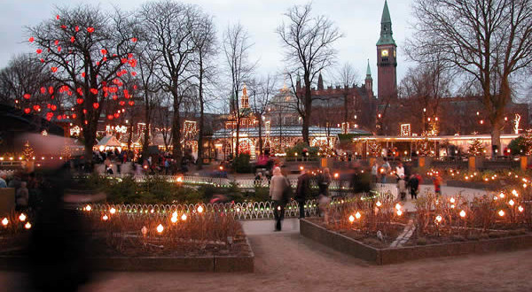 Copenhagen Christmas Market, Denmark. Author Chad Kainz (smaedli). Licensed under Creative Commons Attribution