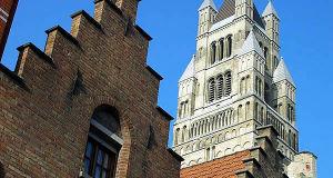 Sint-Salvatorskathedraal, Bruges, Belgium. Author Tony Grist. No Copyright